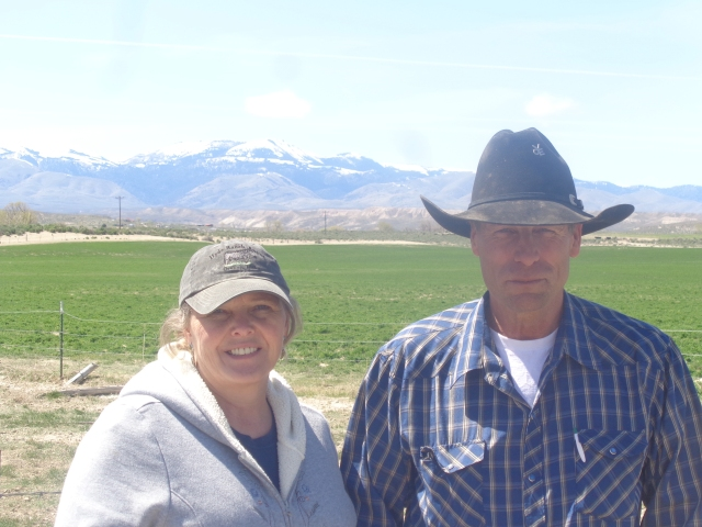 Bill and Beverly White, with the lovely Owyhee Mountains